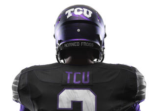Ncaa_fb13_uniforms_tcu_det_back_0014_preview
