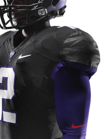 NCAA_FB13_UNIFORMS_TCU_Quadrant_0008_lar
