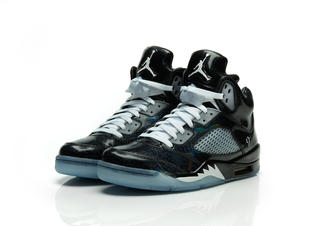 Aj5_white_3qtr_pair_preview