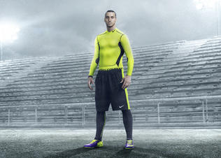 Ho13_fb_hivis_zlatan_pr_v2_mercurial_f1_rgb_hires_preview