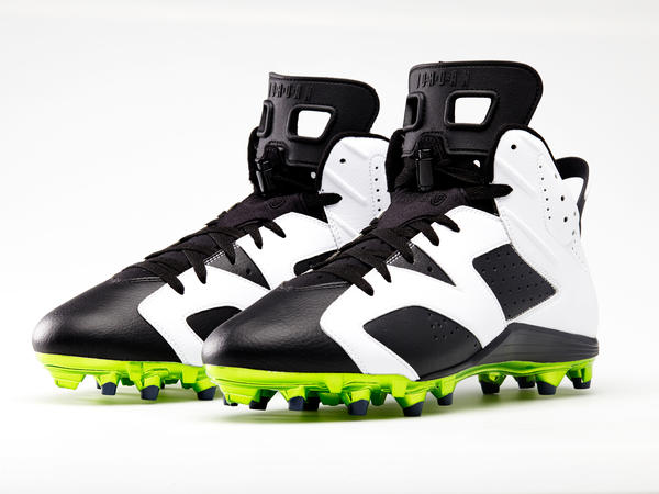 Jordan Brand Athletes Celebrate the Post Season with Custom Retro Cleats