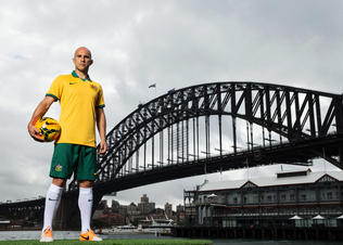 Socceroos_national_team_kit_and_bresciano_preview