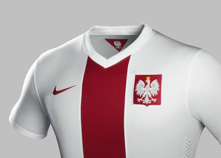 Su14_ntk_cee_poland_match_home_pr_crest_sm_r_preview