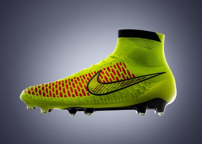 Nike_magista_volt_hyperpunch_5_large