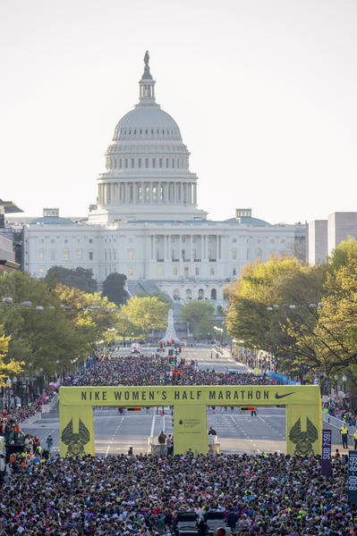 15,000 Women Run Nike Women's Half Marathon in Washington, D.C.