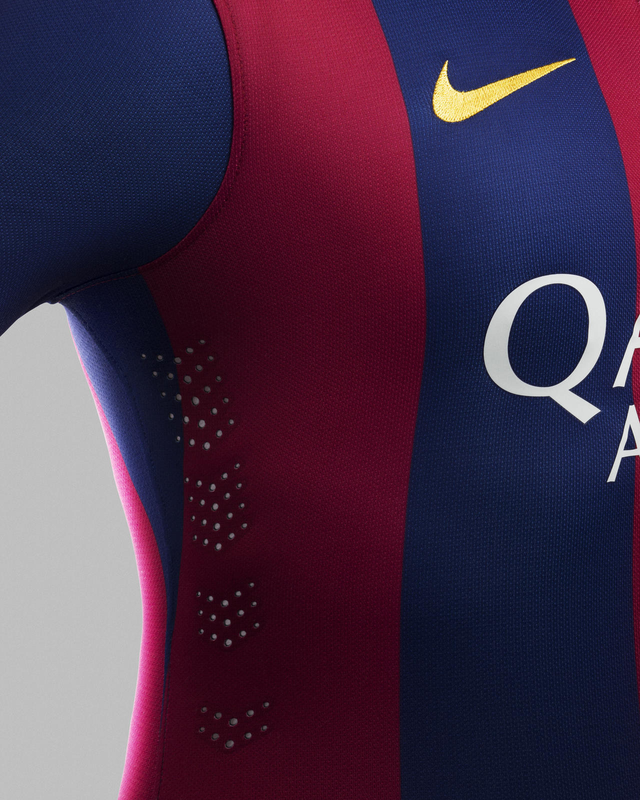 Nike and fc barcelona unveil new home kit for 2014 15 - New home barcelona ...