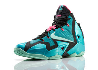 Lebron_11_southbeach_330_3qtr_0217_fb_preview