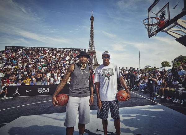 Scottie Pippen and Carmelo Anthony Appear at World Streetball Championship