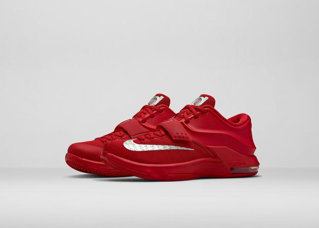 Fa14_bball_b1-kd7_red-front_three_quarter_pair_hero_large