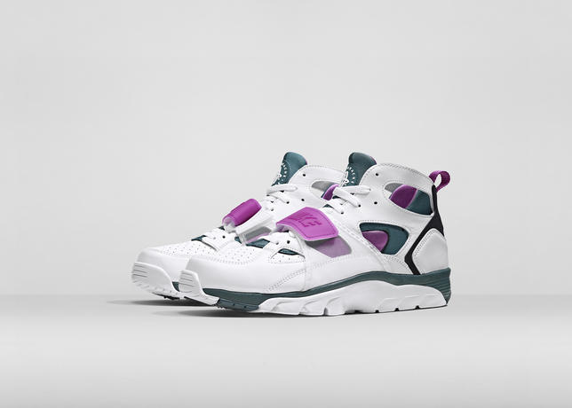 Nike_fa14_qs_huarache_trainer_pair_large