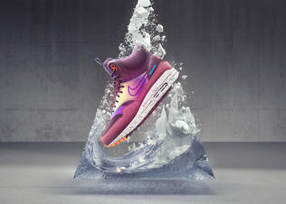 Ho14_sneakerboots_hero_womens_airmax1_preview