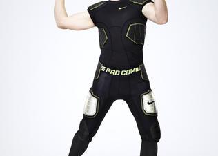 Nikeprocombat_andy_dalton_lk_02_di_nologo_preview