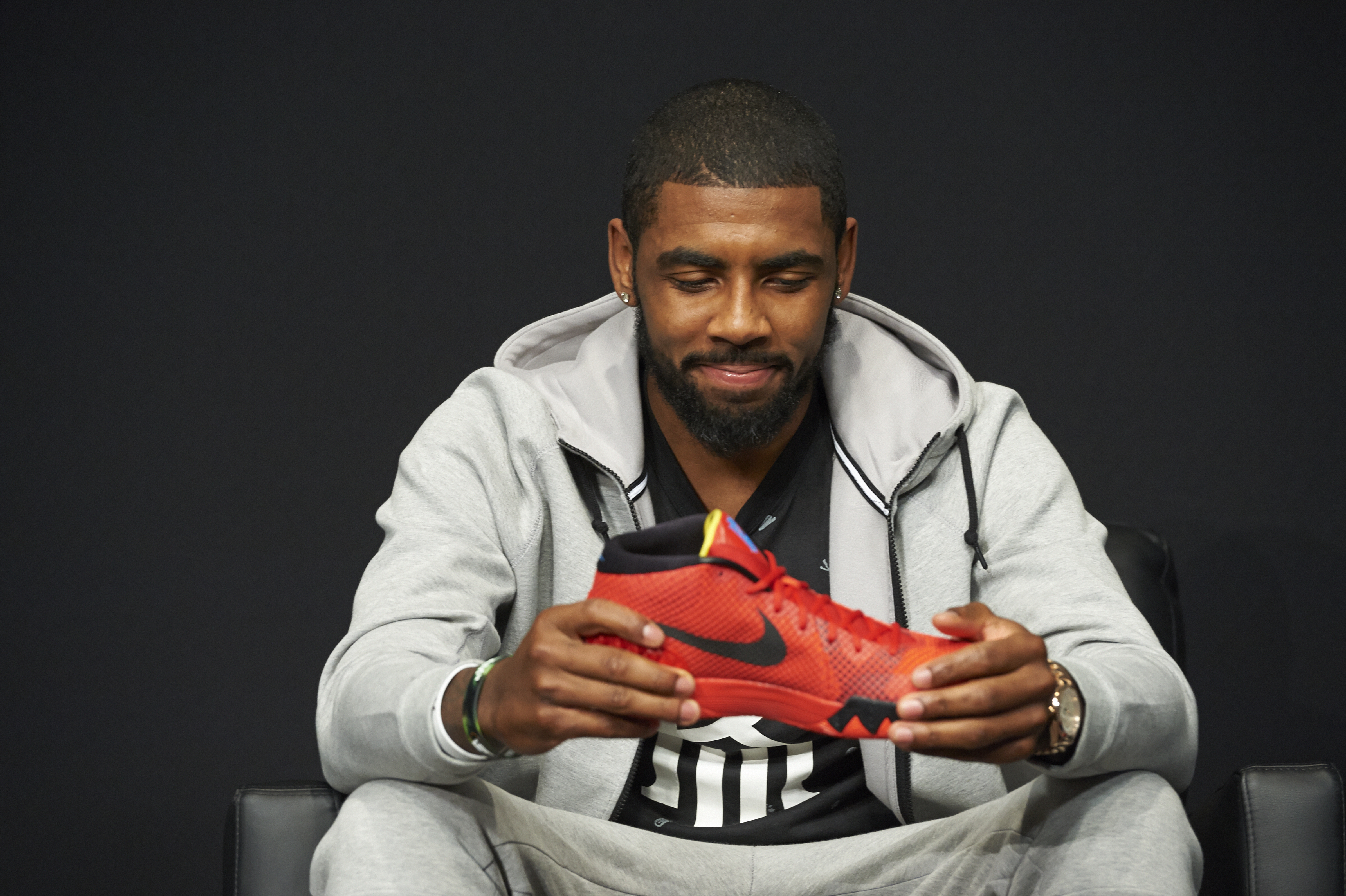 how to meet kyrie irving