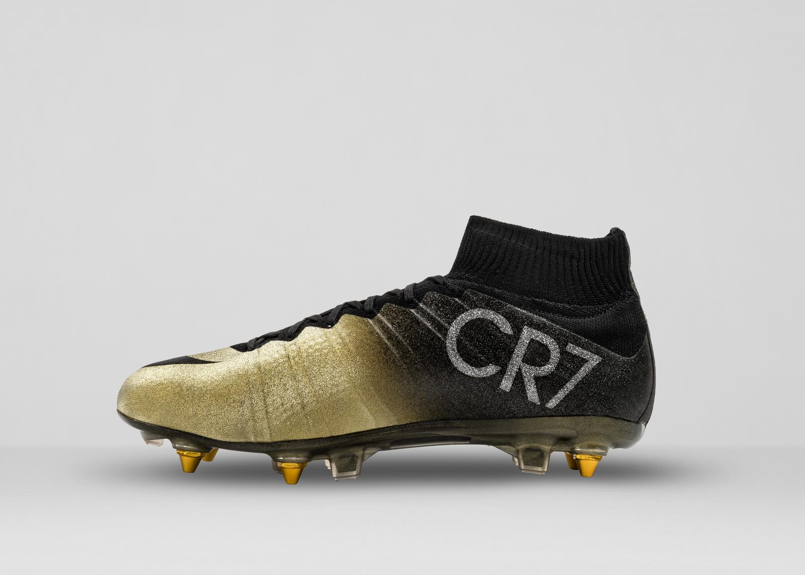 Nike News - Nike Congratulates Cristiano Ronaldo with Mercurial CR7