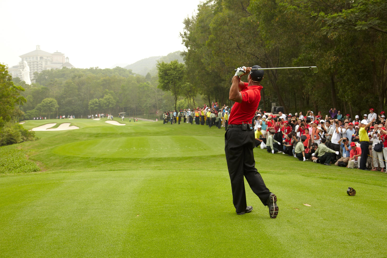 Tiger Woods Returns to Asia to Energize Young Athletes' Love for Golf - Nike News