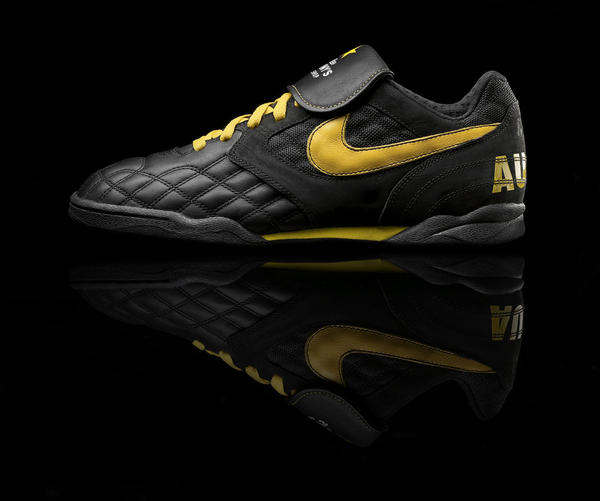 HO09: Nike Sportswear LIVESTRONG collection