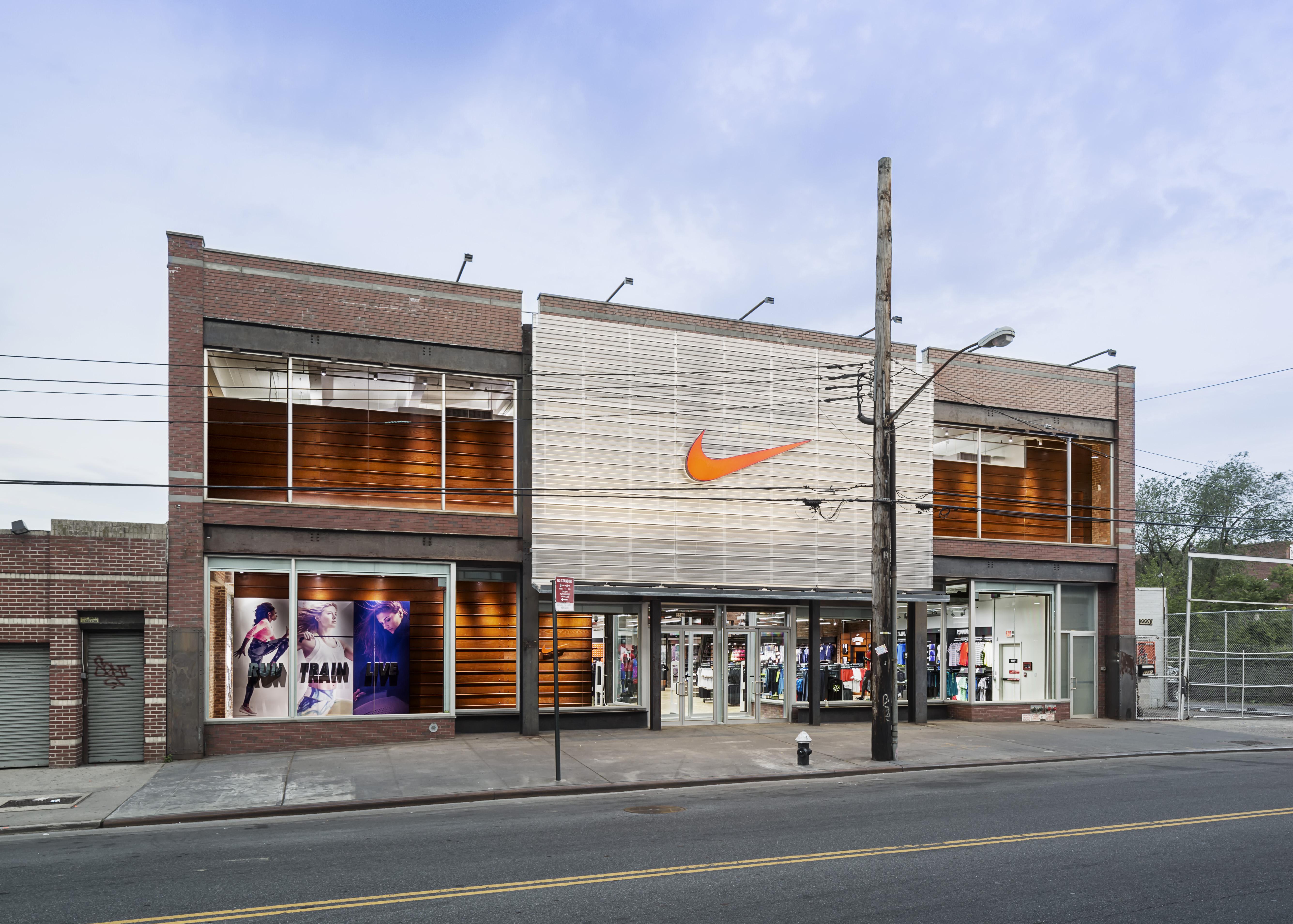 Dc Shoe Store Los Angeles