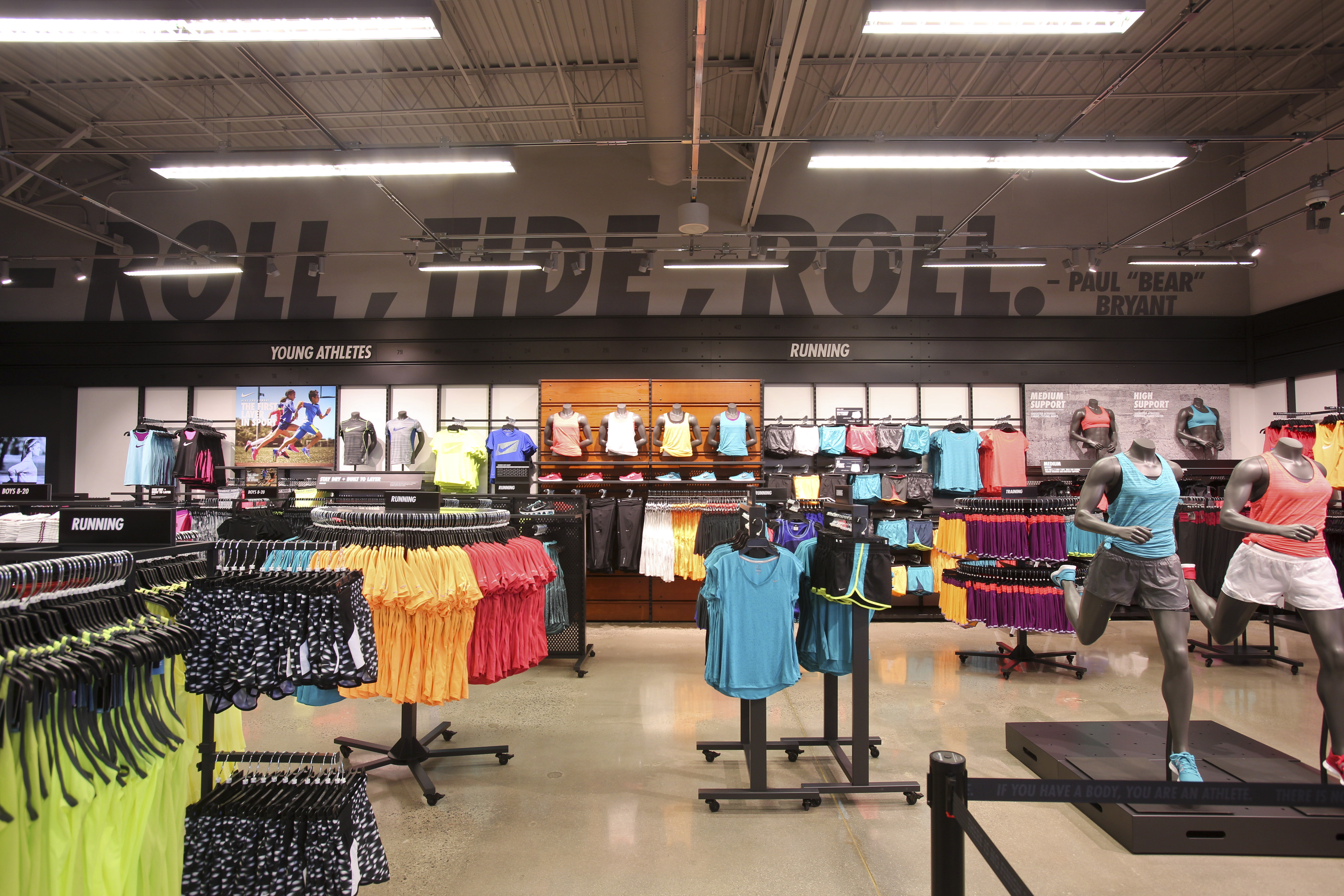 closest nike outlet store