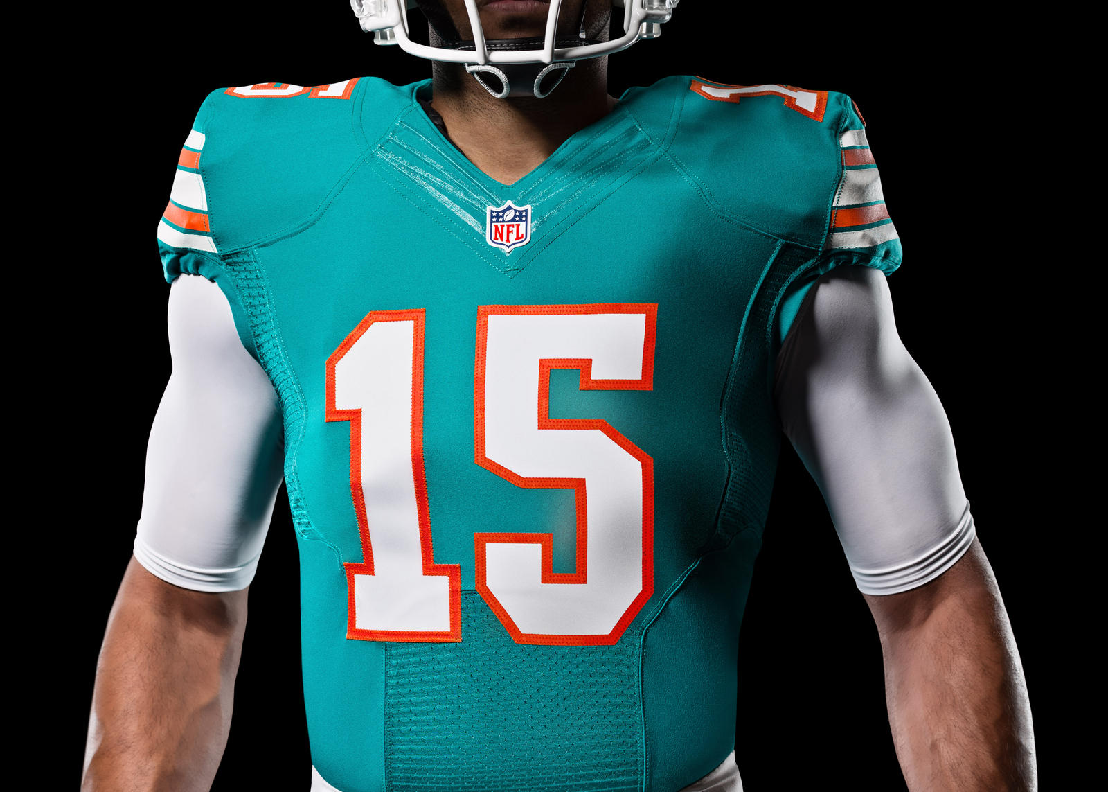 Dolphins To Wear Throwback Uniform On Monday Night