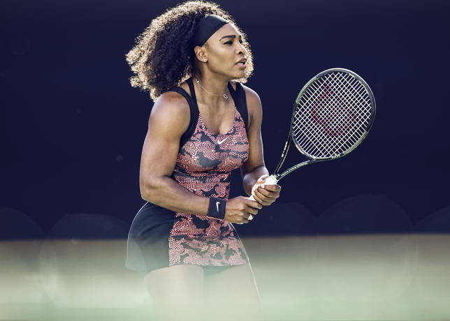 Serena_williams_nikecourt_2_large
