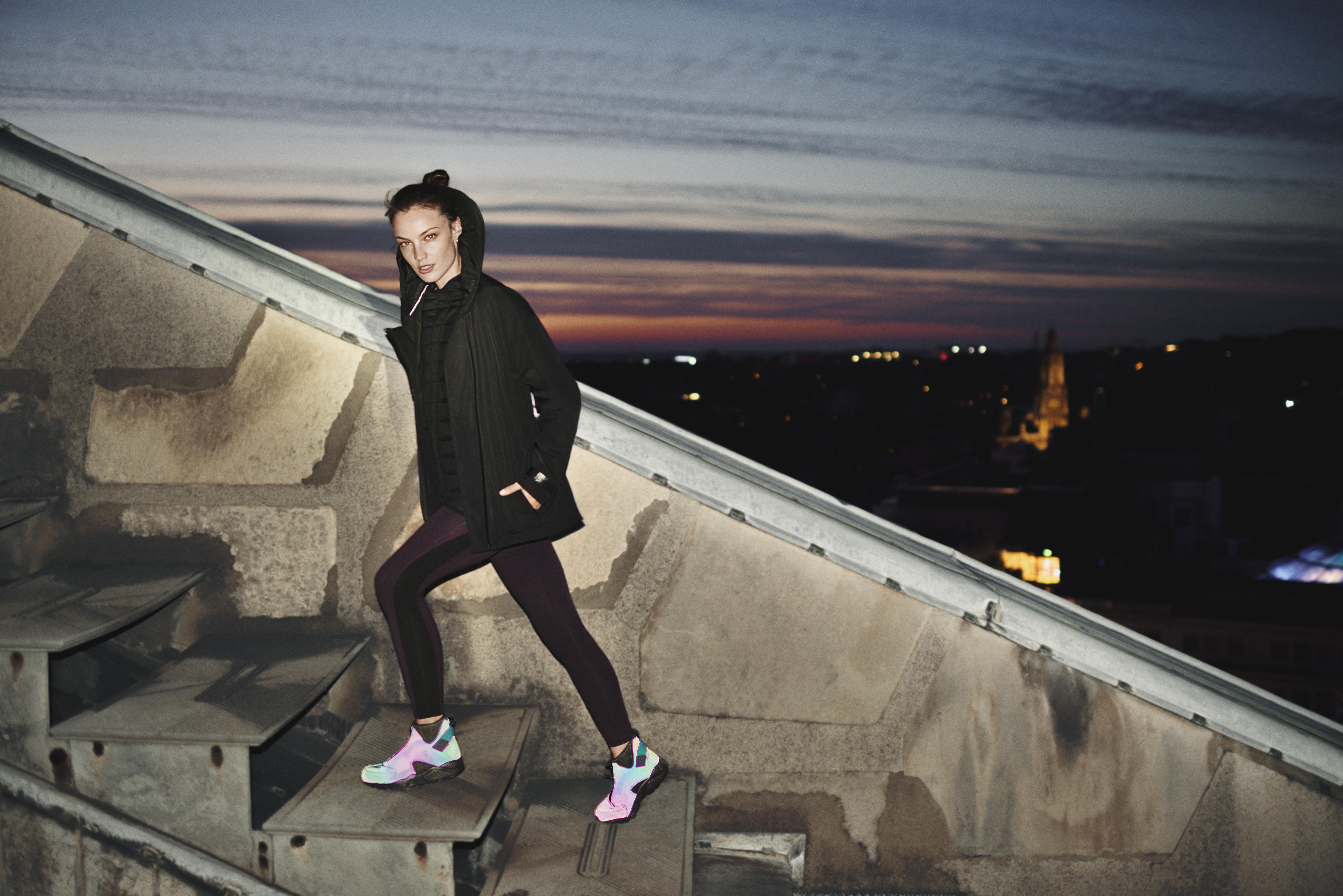 nike shox prime d'éclat - Nike News - Sometimes More Is More: The Women's Air Huarache Run Mid