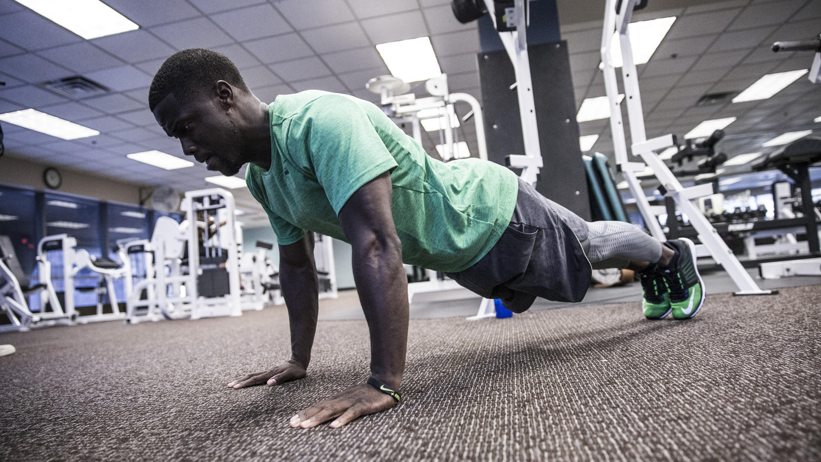 15103_nike_gc_kevin_hart_gym-40_hd_1600