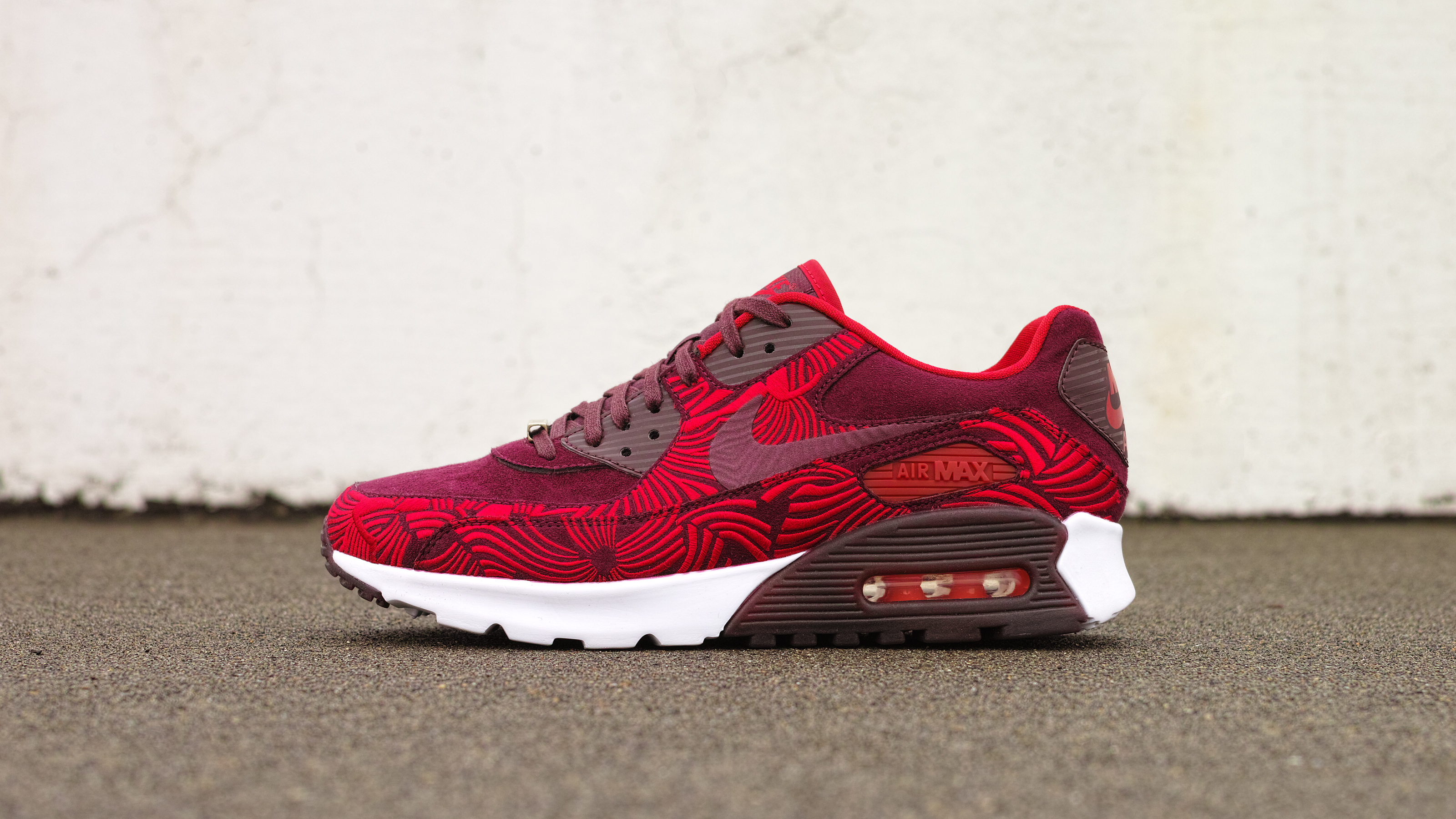White & Red Lands On The Cheap Nike Air Max 90 Ultra 2.0 Flyknit