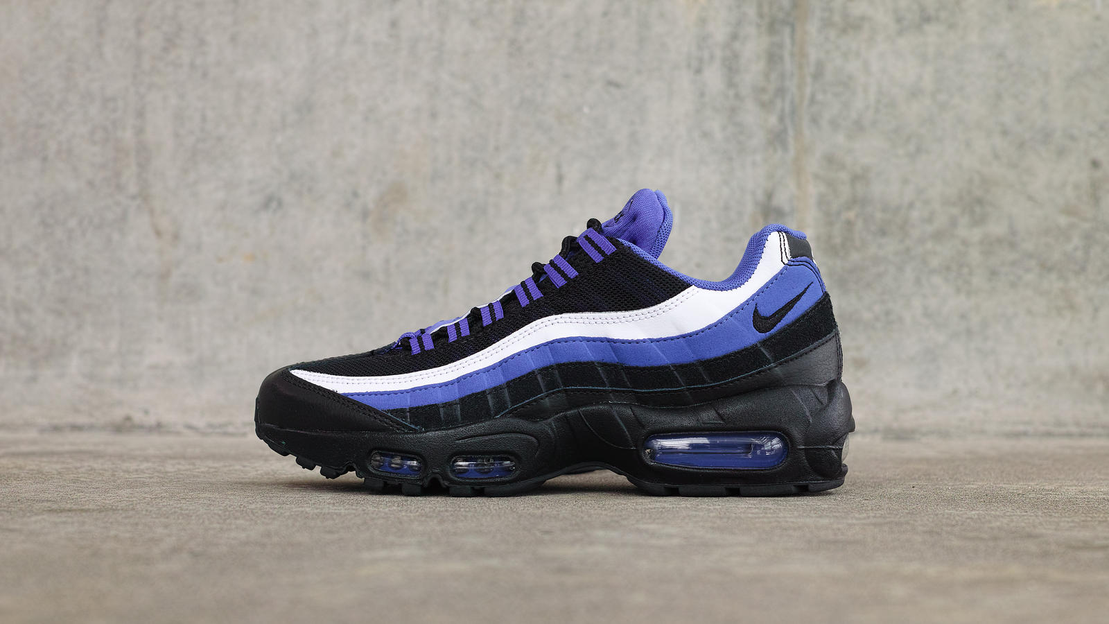 Air-max-95-essential-profile_hd_1600