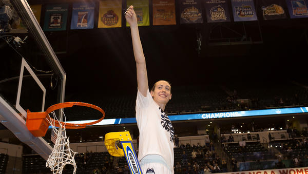 Nike Signs Basketball Phenom Breanna Stewart