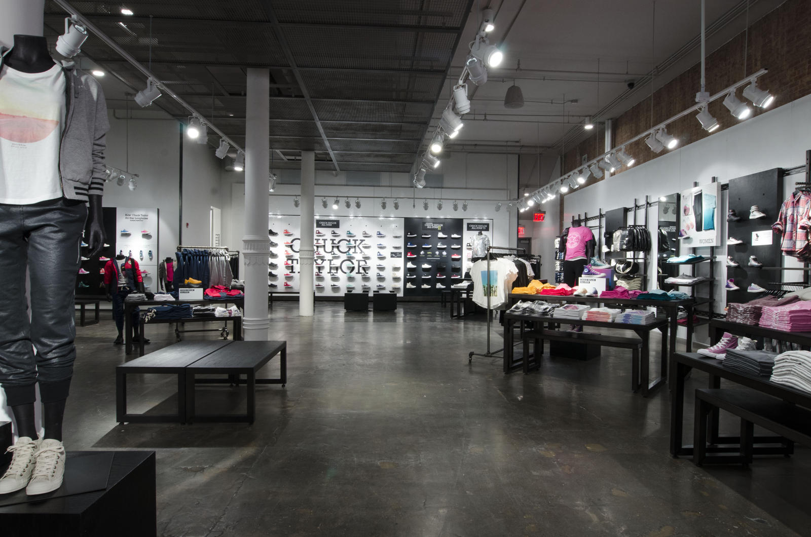 converse outlet store near me wc50  Mobile Gallery Image