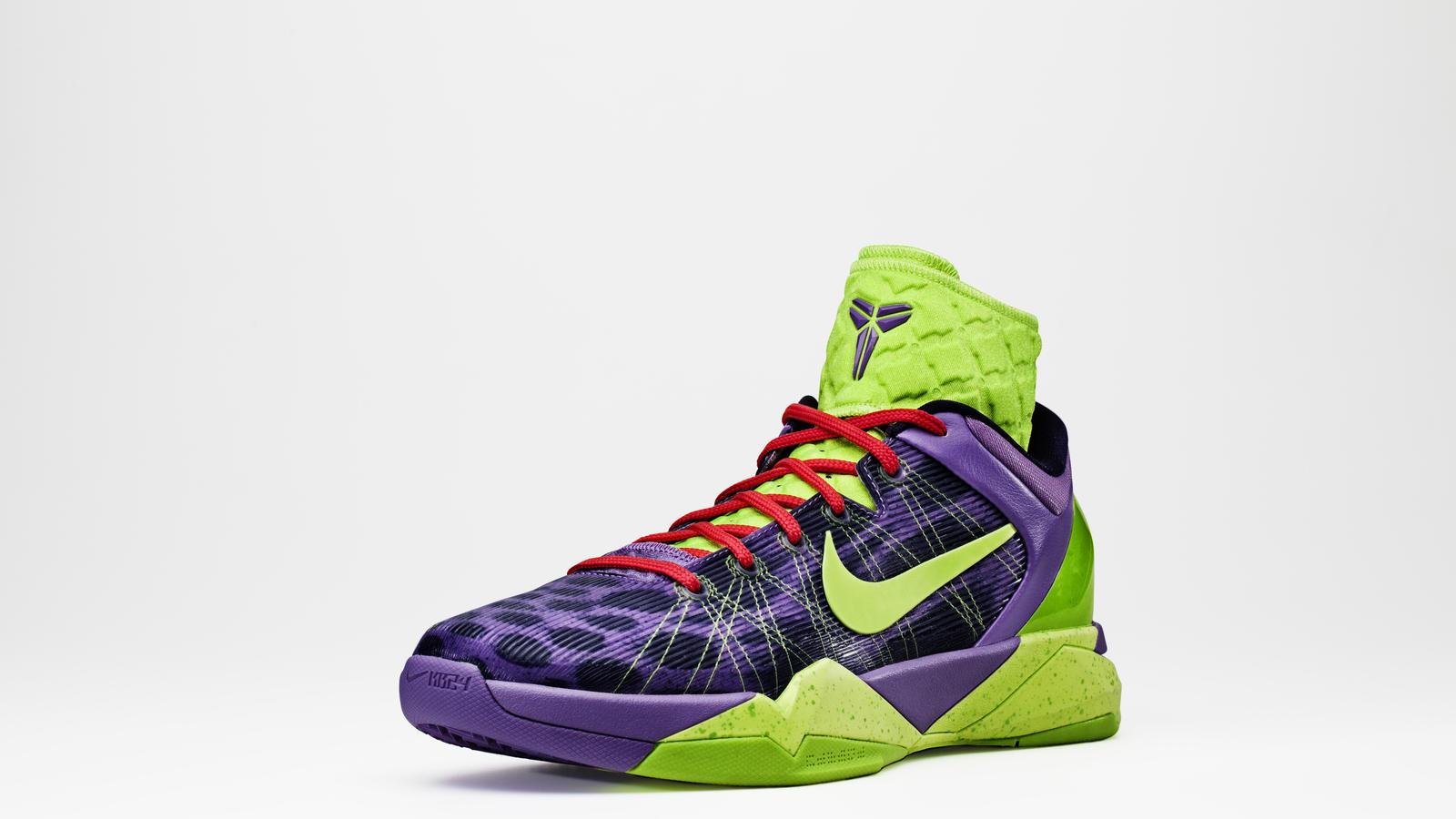 colorful nike basketball shoes