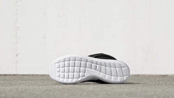 Nike Roshe Two Side Step Own Identity