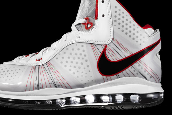 Nike, LeBron James unveil LEBRON 8 V/2 - Nike News