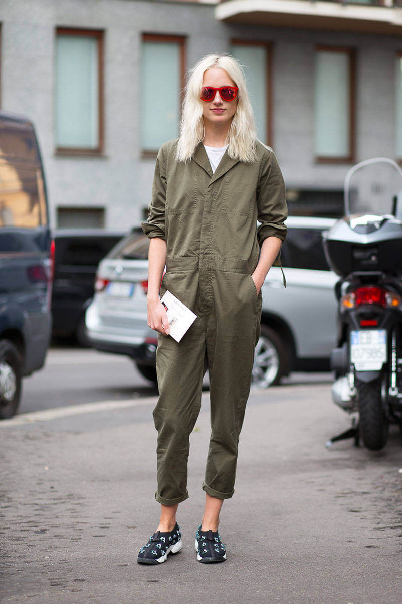 54bc240f54eeb_-_hbz-sneakers-8-mfw-ss2015-street-style-day1-23-lg