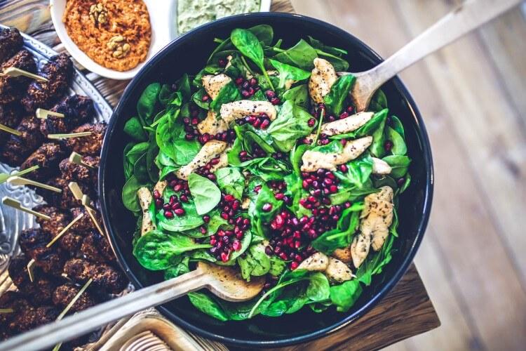 food-salad-healthy-lunch (1)