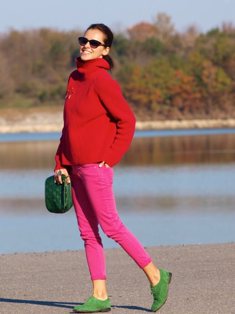 3.-pink-pants-with-red-sweater-and-green-shoes