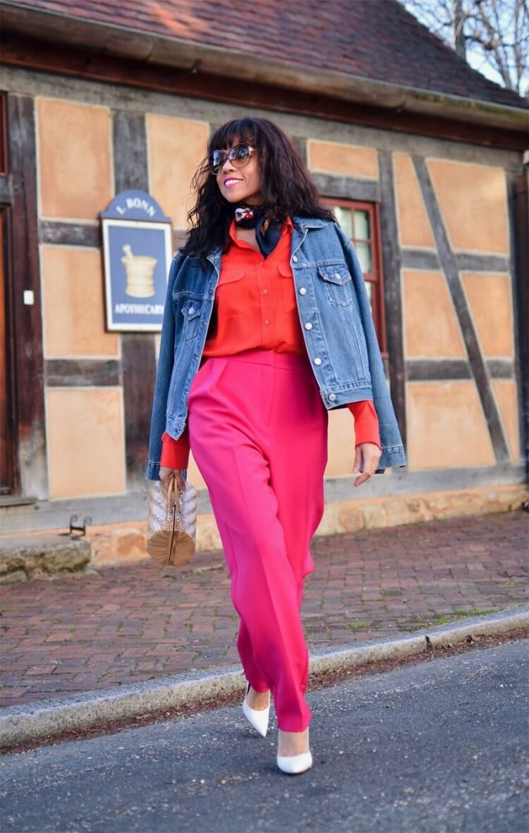 Red with pink street style look