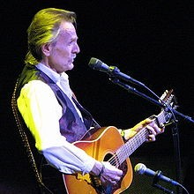 220px-Gordon_Lightfoot.jpg