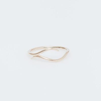 Sarah & Sebastian 9K Waved Ring