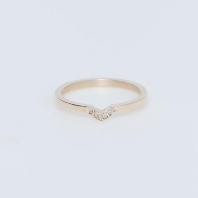 Meadowlark 9K Gold/White Diamond Arrow Band