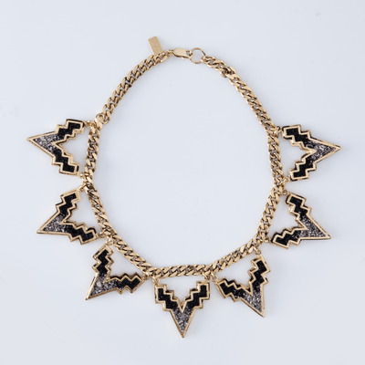Lady Grey V Chain Choker