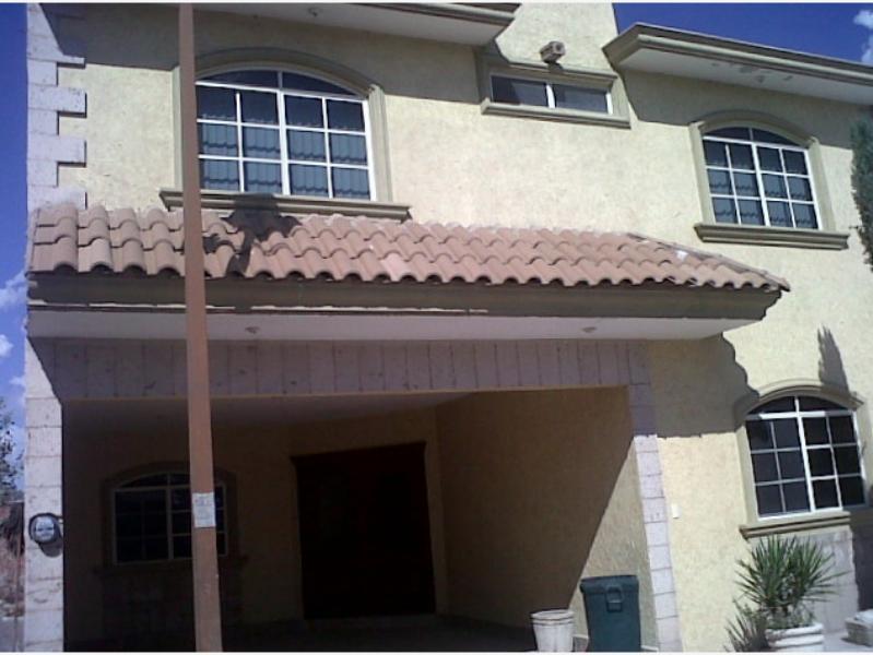Renta de casa en rinc n del pedregal 2 gomez palacio for Casas en renta gomez palacio