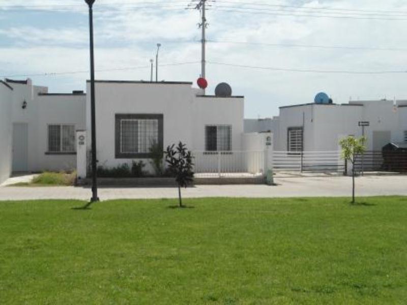Casa en renta en villas de bernalejo irapuato goplaceit for Casas en renta en irapuato