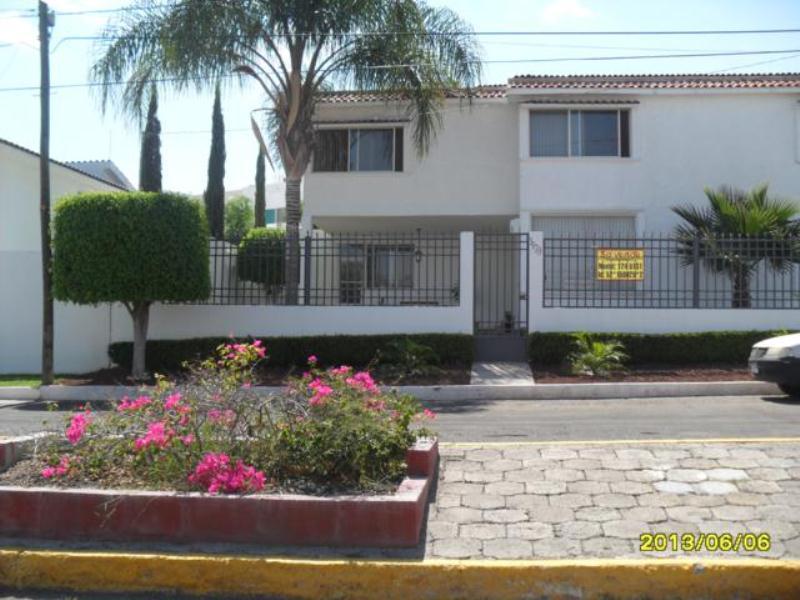 Casa en venta villas de irapuato irapuato guanajuato for Villas irapuato