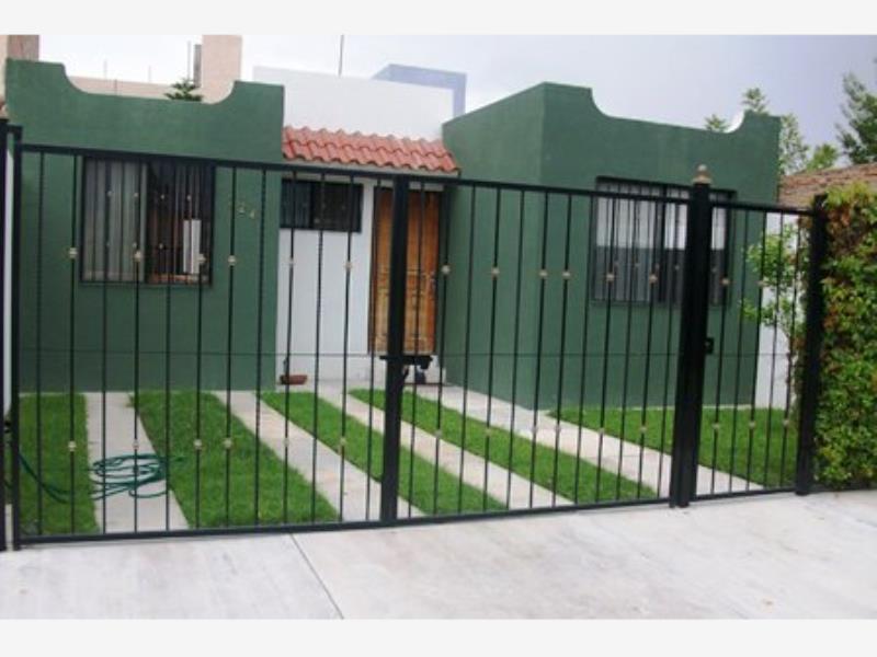 Renta de casa en colinas del saltito durango goplaceit for Casas en renta en durango