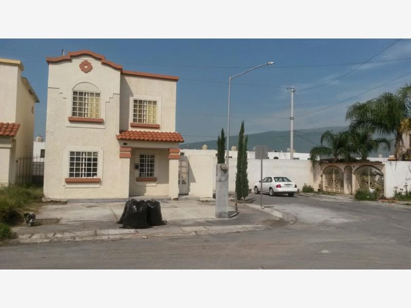 Casa en venta en urbi villa del rey 1er sector monterrey for Planos de casas urbi villa del rey