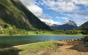 Riverside Camping in Åndalsnes