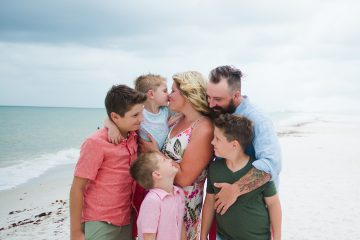 Family Beach Photo by Lyndsey's Photo Co.