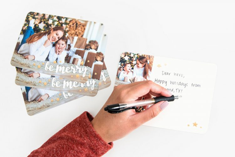 5 Steps to Mastering Holiday Card Etiquette