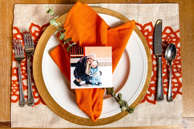Table place setting with photo print